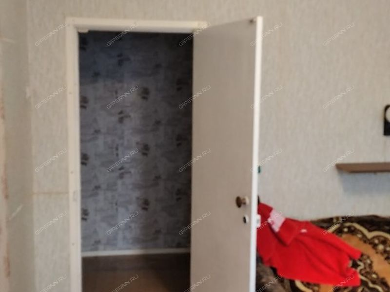 трёхкомнатная квартира на проспекте Гагарина дом 200