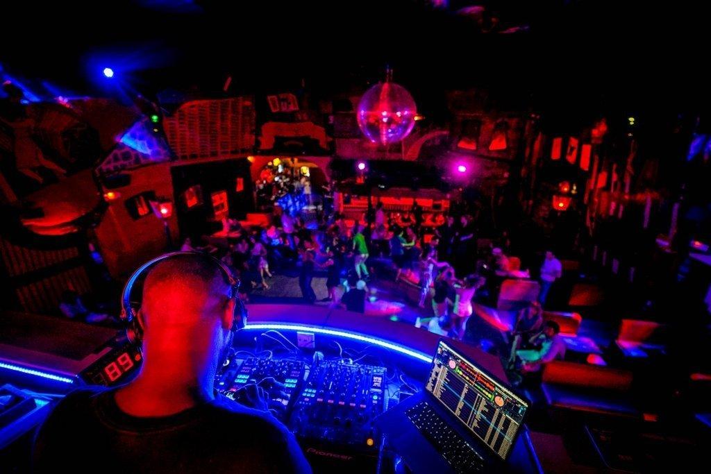 Ночной клуб в нижегородской области полный стриптиз клуба