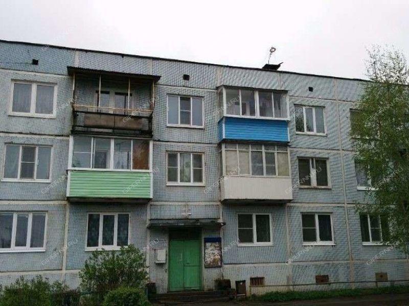 четырёхкомнатная квартира на улице Первомайская дом 12 село Арефино